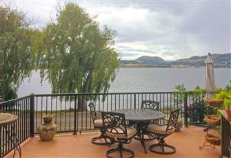 Beautiful 1br2ba Downtown House on Lake Okanagan. Great Views/Serenelocation