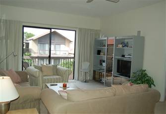 Best Location 2 Bedroom Condo across the Street from Siesta Key Beach