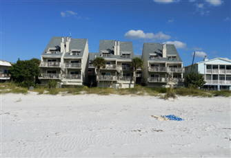 Luxury Style Waterfront Condo on the most Beautiful Private Beach near Tampa