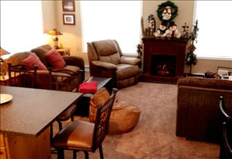Avail Mar 21-24, Apr 3-10  to Enjoy the Abundant Snow in Bw 4bdrm Village Unit