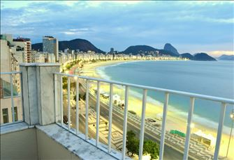 Copacabana Beachfront Pethouse in Rio