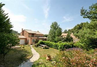 Beautiful Quiet Villa with Private Pool in the Provence.
