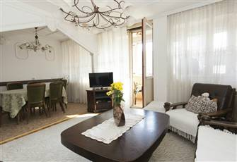 Arena Royal Apartment , Sleeps 6, Wifi, Parking