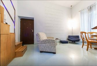 Delightful Loft for 4 Persons Wifi near Metro Cavour, the Colosseum and Trajan's