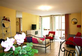 Lovely Apartment in the Lively Old Town of Nice