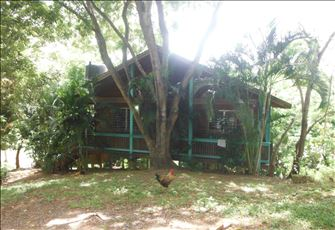 """an Enchanting Home"" Spacious 2 Bedroom Home from Home in a Perfect Location"