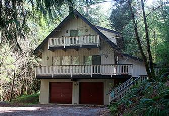 A 3-Story, 4-Bedroom, Pet-Friendly, Private Vacation Home!