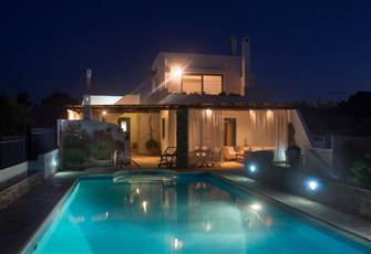 Beach House-Villa with Swimming Pool