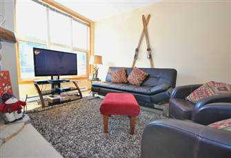 Enjoy this Great 2 Bedroom Condo!!