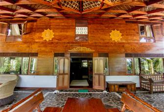 Mentawai Islands - Beach Front Villa for Rent for Short/Long Periods