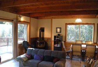 Great Two Bedroom Alpine Cabin!!