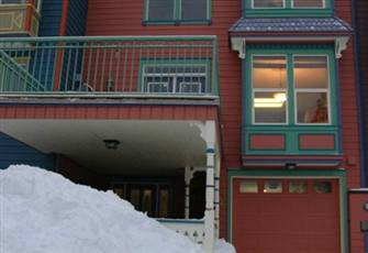 Deluxe Townhome with Private Garage, Hot Tub and Bbq - Sleeps 11