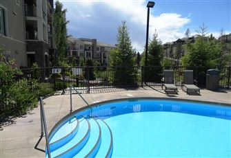Exciting Golf Course Executive Luxury Condo 2bed/2bath Next to Ubco and Airport