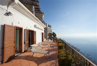 Casa Miria  is a Splendid Three-Story Villa Overlooking the Sea.