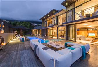 Luxury Modern Private Villa Ocean and Mountain View in Trendy Camps Bay
