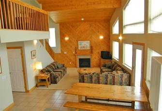 4 Br, 4 Bath Luxury Chalet at Sun Peaks Resort