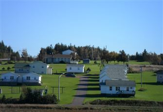 New 3 Bedroom/2 Bath  Deluxe Cottage in the Cavendish Beach Resort Area of PEI