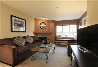 Beautiful 1-Bedroom, 2-Bath Condo with Kitchen and Fireplace