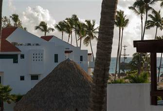 Beautiful Apartment Overlooking the Caribbean Sea, 2 Bedrooms and 2 Bathrooms