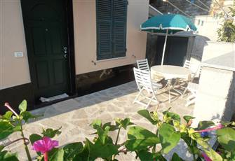 Comfortable Vacation Apt with Patio in a Quite  Spot of Chiavari