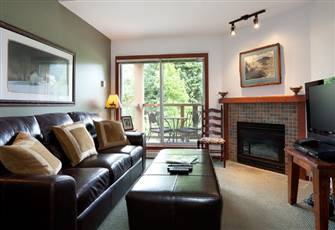 Large Two Bedroom 3 Bathroom in Whistler Village W/ Private Hot Tub on Huge Deck