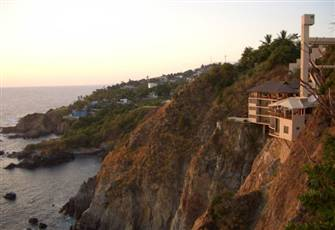 Breathtaking villa built into the cliffs right at the water's edge in Acapulco