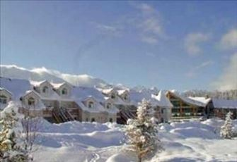 Beautiful Smoke Free Condo Minutes from Ski Hill