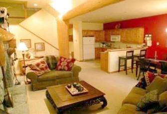 Ski-in Ski-out  Taluswood,  Spacious 3 Bedroom and Loft Townhome