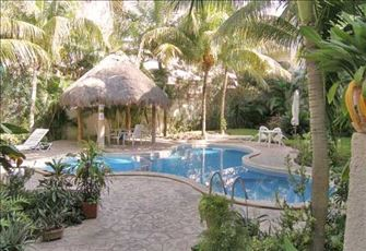Lovely & Very Affordable Central Location in Playa Del Carmen