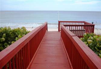 Licensed Direct Beachfront Mansion - 80 Ft. Of Atlantic Ocean - Lower Floor Unit