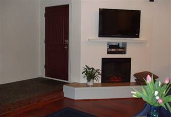 Central Self-contained Suite in Upscale Vancouver Kerrisdale District.