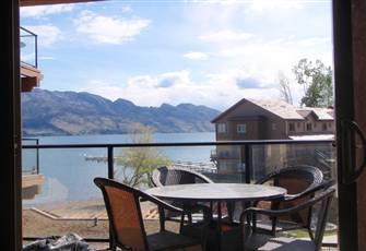 Luxury Beachfront Condo on Okanagan Lake - West Kelowna
