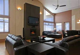 Stunning 4 Bedroom Penthouse (Sleeps 12) Luxury Ski-in/Ski-out Accommodation