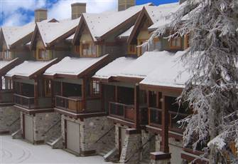 Luxury Ski In/Out Property Close to the Village Centre