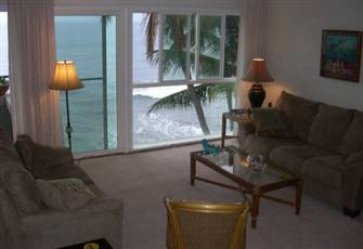 Oceanfront 2 Bedroom 2 Bath Kona Condo -- Top Floor