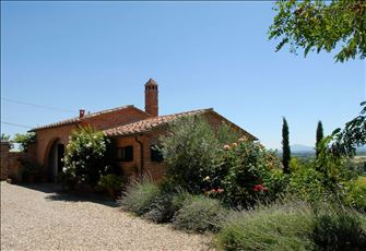 Beautiful one Bedroom Ground Floor Cottage with Private Pool Southern Tuscany