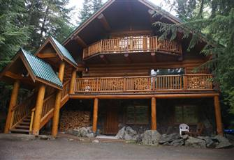 2.5 Bedroom, 2 Bath Chalet Ground Floor Suite
