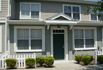 Nicely Located Spacious Townhouse Close to Disney and Parks