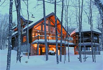 Tremblant's Finest Log Home. Only 2 Minutes to Resort.