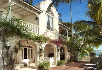 Luxurious and Elegant, Family Friendly Beachfront Villa with 4 Bedrooms