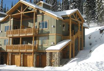 Silver Tip Landing Big White.  Stunning Location-100% Ski in/Ski out.  Sleeps 5!