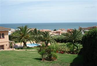 Large, Highly Rated, Immaculate Villa Apt. Sea Views, Heated Pool Free Pkg Wi-Fi