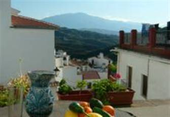 A 5 Bedroom Spanish House with Free WiFi, Renovated in Traditional Moorish Style