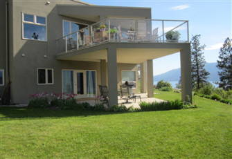 Relaxing Sweet Retreat with an Amazing View of Okanagan Lake