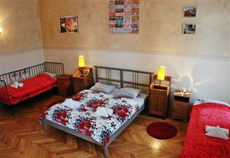 Amazingly Spacious 2 - Bedroom Flat at the Entrance to the Fabulous Kazimierz!