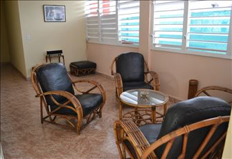 Three Bedrooms Holiday Apartment. Superbly Located.