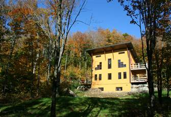 Post and Beam Eco Green Home / Cottage for Rent in the Laurentian Mountains