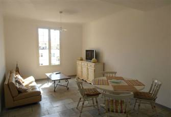 Cannes 2 BR (Sleeps 7) Apartment Close to City Centre