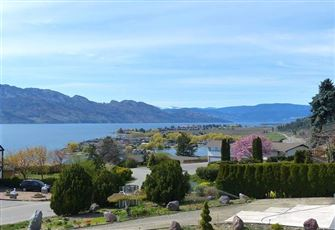 Wonderful Five Bedroom Okanagan