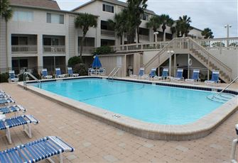 Ocean/Pool View Condo at